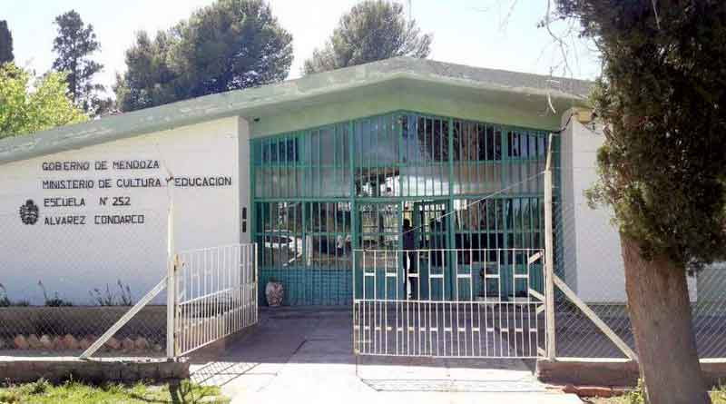 detenidos por robo a escuela
