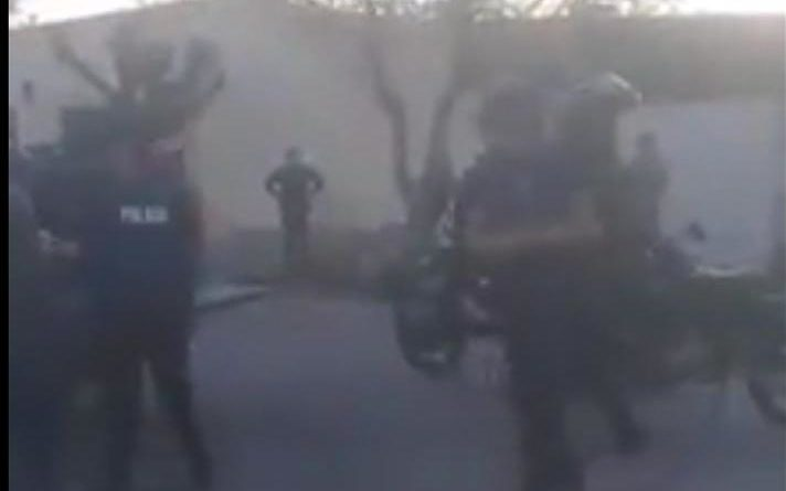 Video: Enfrentamiento en Bowen tras un procedimiento policial