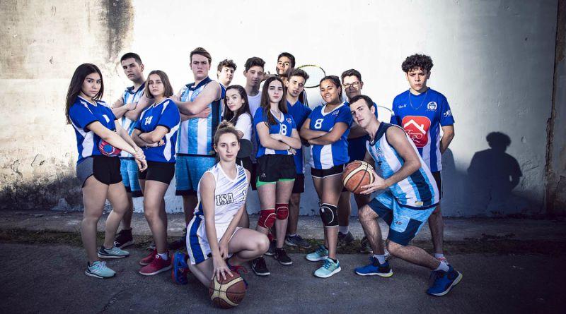 Alumnos de quinto en las distintas disciplinas deportivas