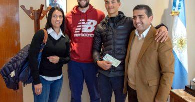 Ayuda económica para dos jóvenes ciclistas