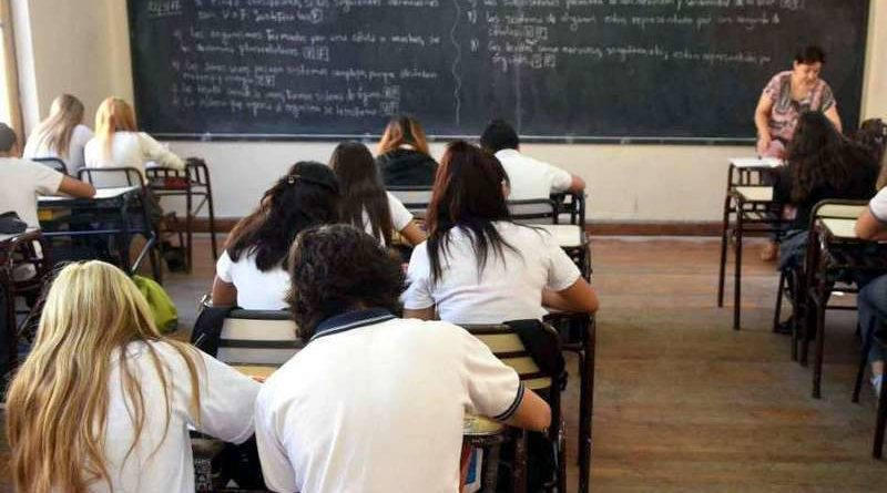 Alumnos que adeudan hasta cuatro materias tendrán otra oportunidad para no repetir